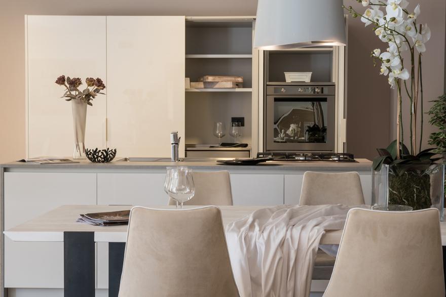 Tavoli e sedie bontempi alba soggiorni jesse alba cucina for Mobilia caserta